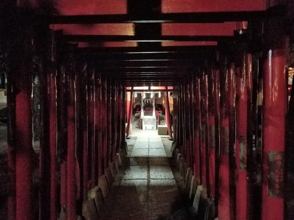 Itoku Inari Shrine at Hanazono Shrine in Shinjuku seen on a Maction Planet Tokyo Private Tour