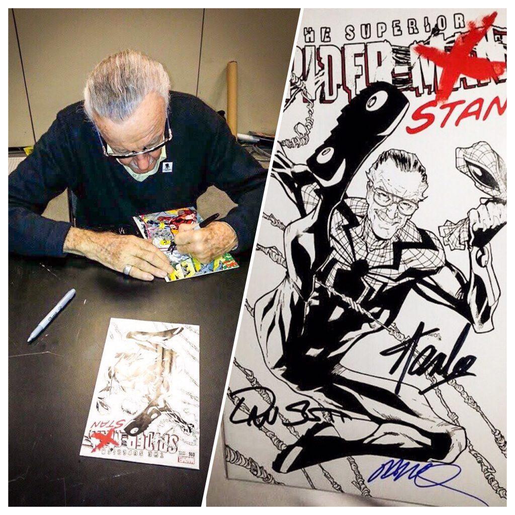 Stan Lee signing at NYCC 2013