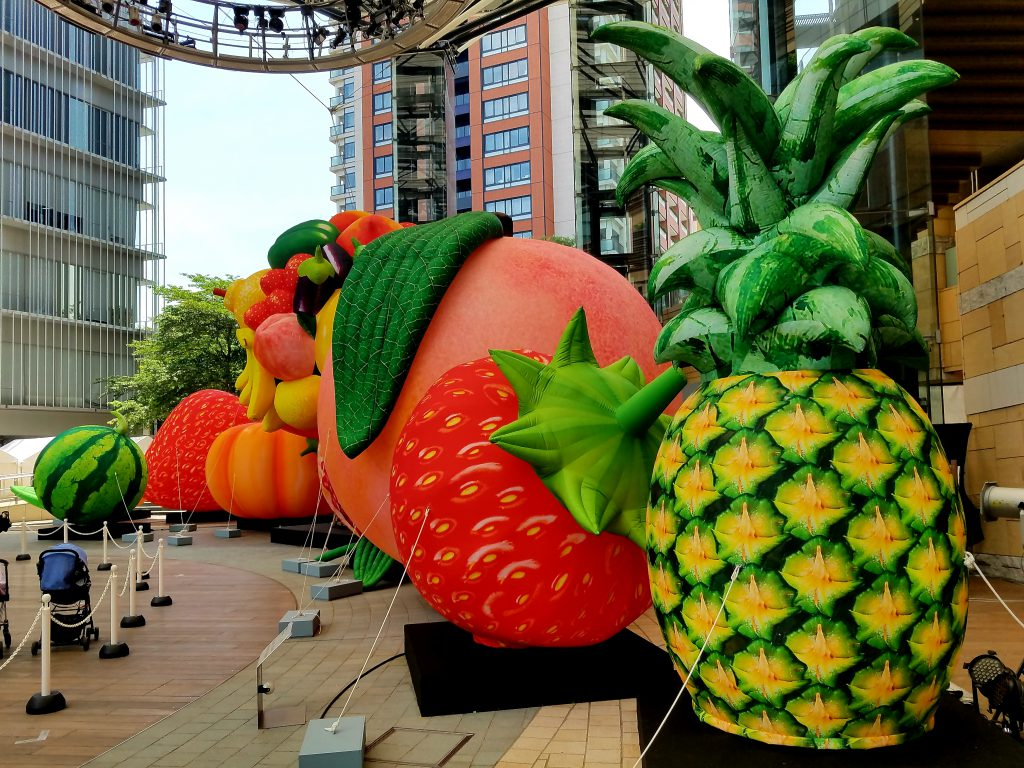Choi Jeong Hwa's Fruit Tree: This was the centrepiece of 2019 Roppongi Art Night, filling the Roppongi Hills Arena
