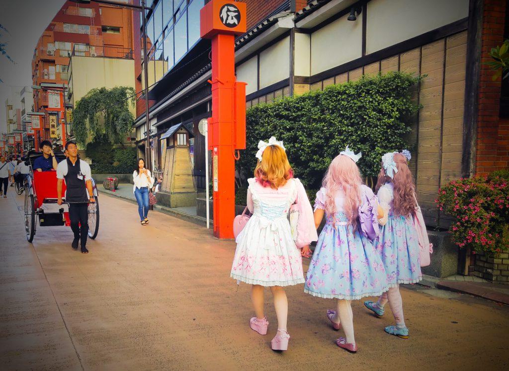 Lolitas vs Rickshaw in Asakusa, Tokyo