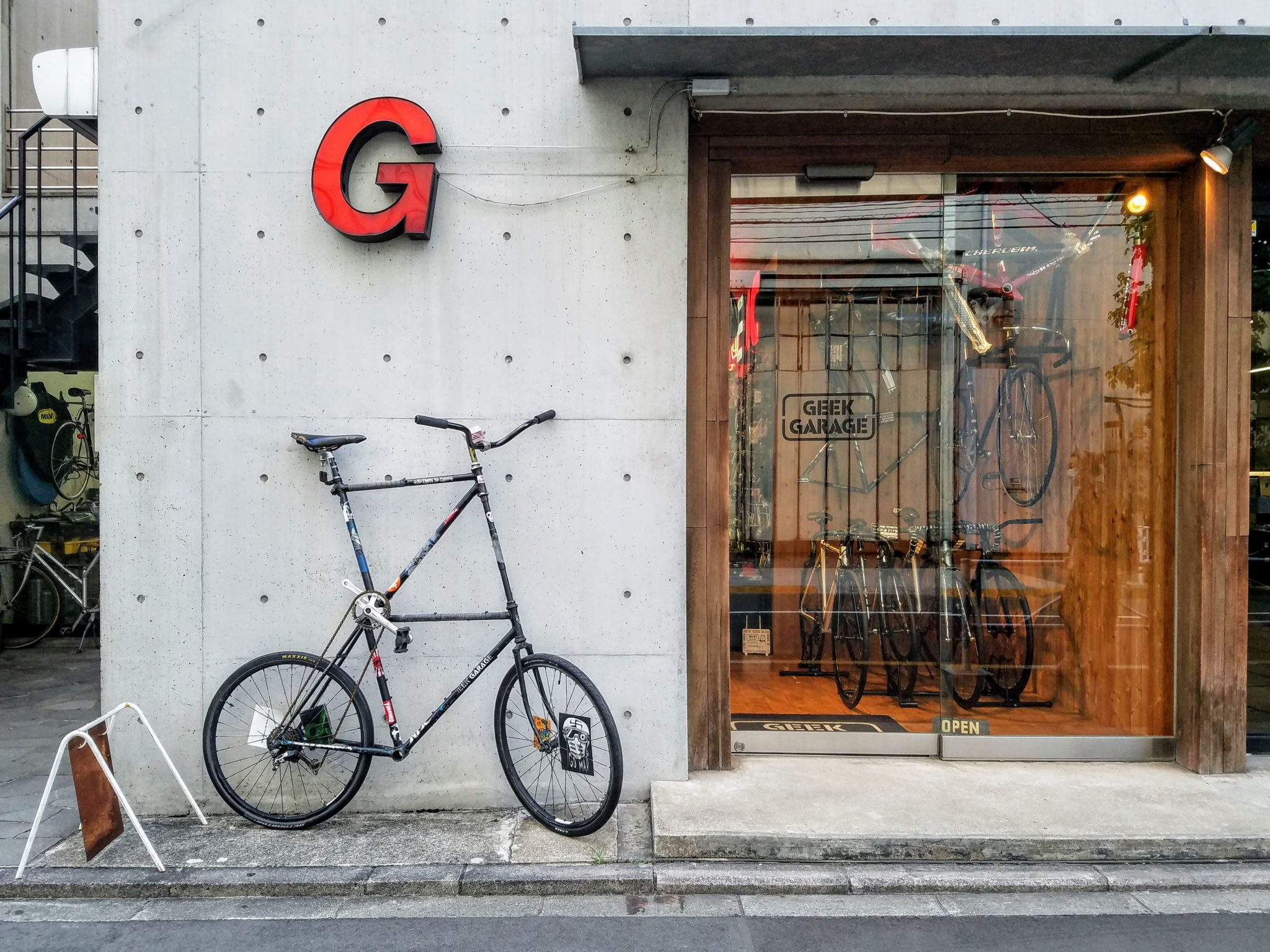 Geek Garage cycling shop in Nakameguro