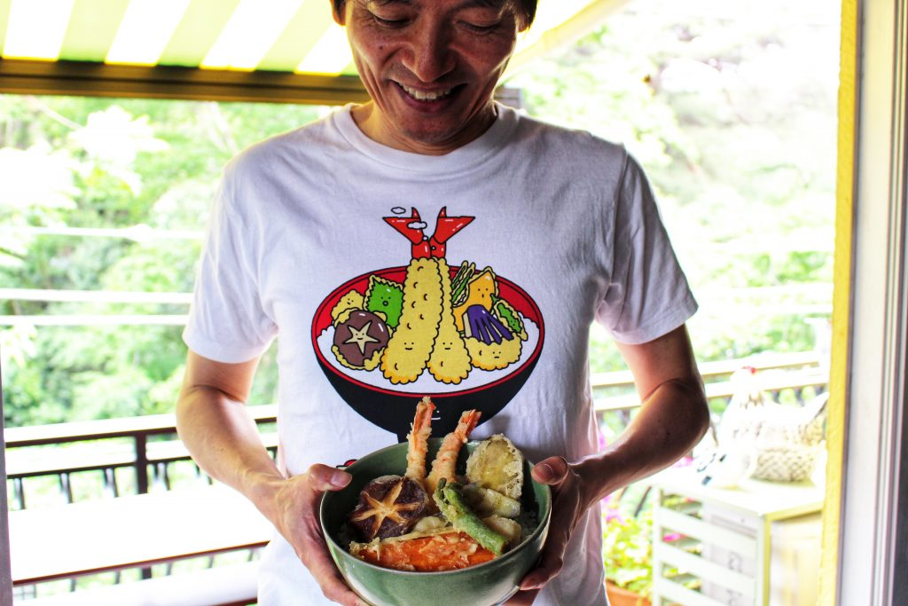 Tendon T-shirt: Kei Sanami tests the wares of our tendon online cooking class